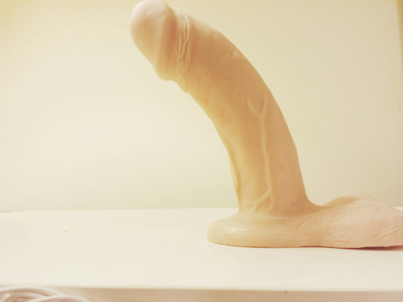 VixSkin Johnny review: curved and realistic dual-density dildo 2